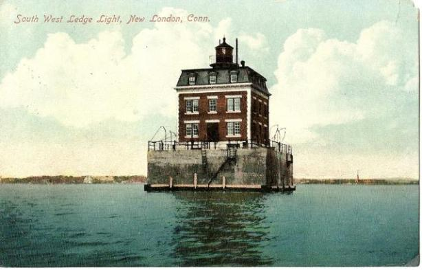 PostcardNewLondonCTLedgeLighthouse1910